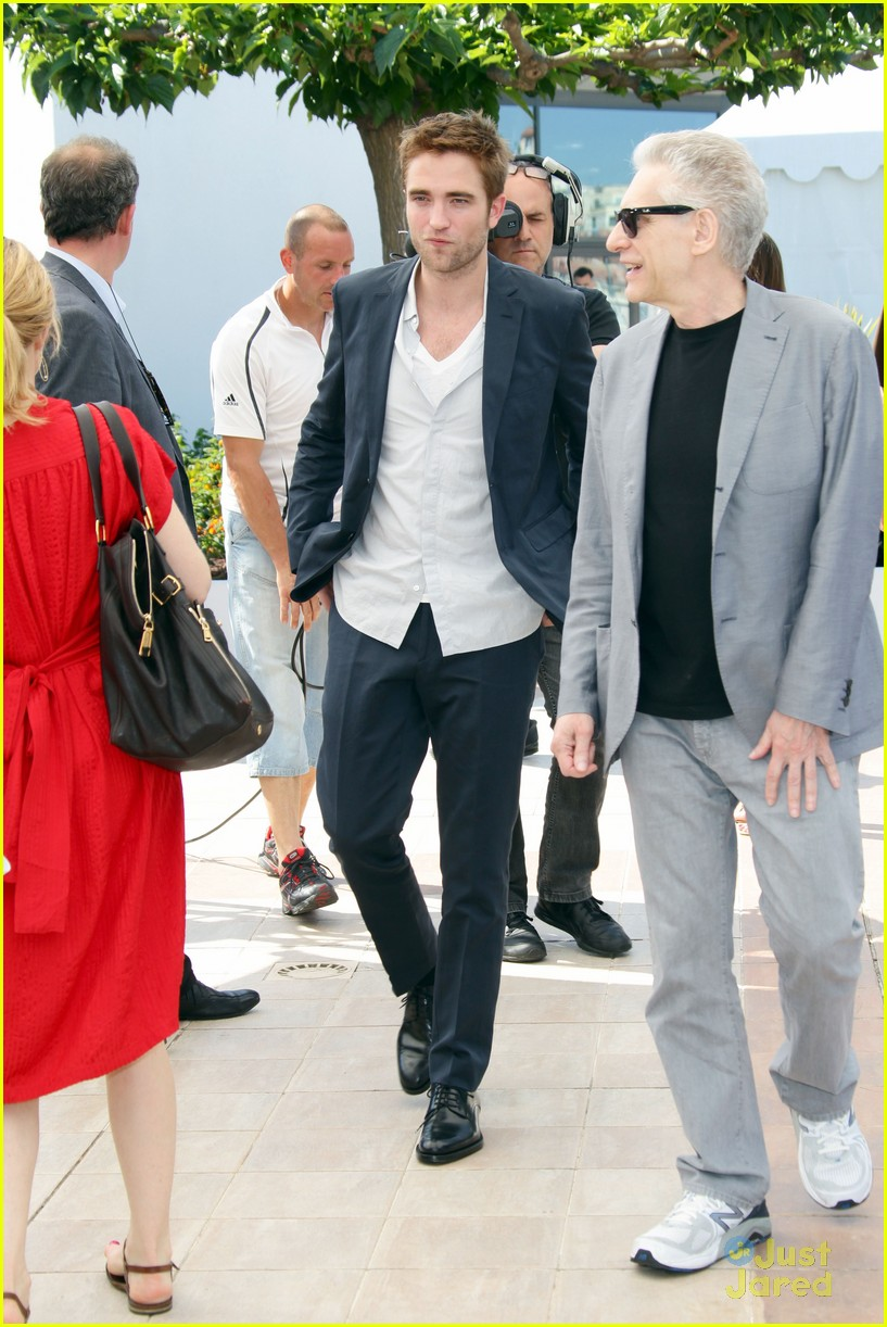 robert pattinson cosmo premiere 12