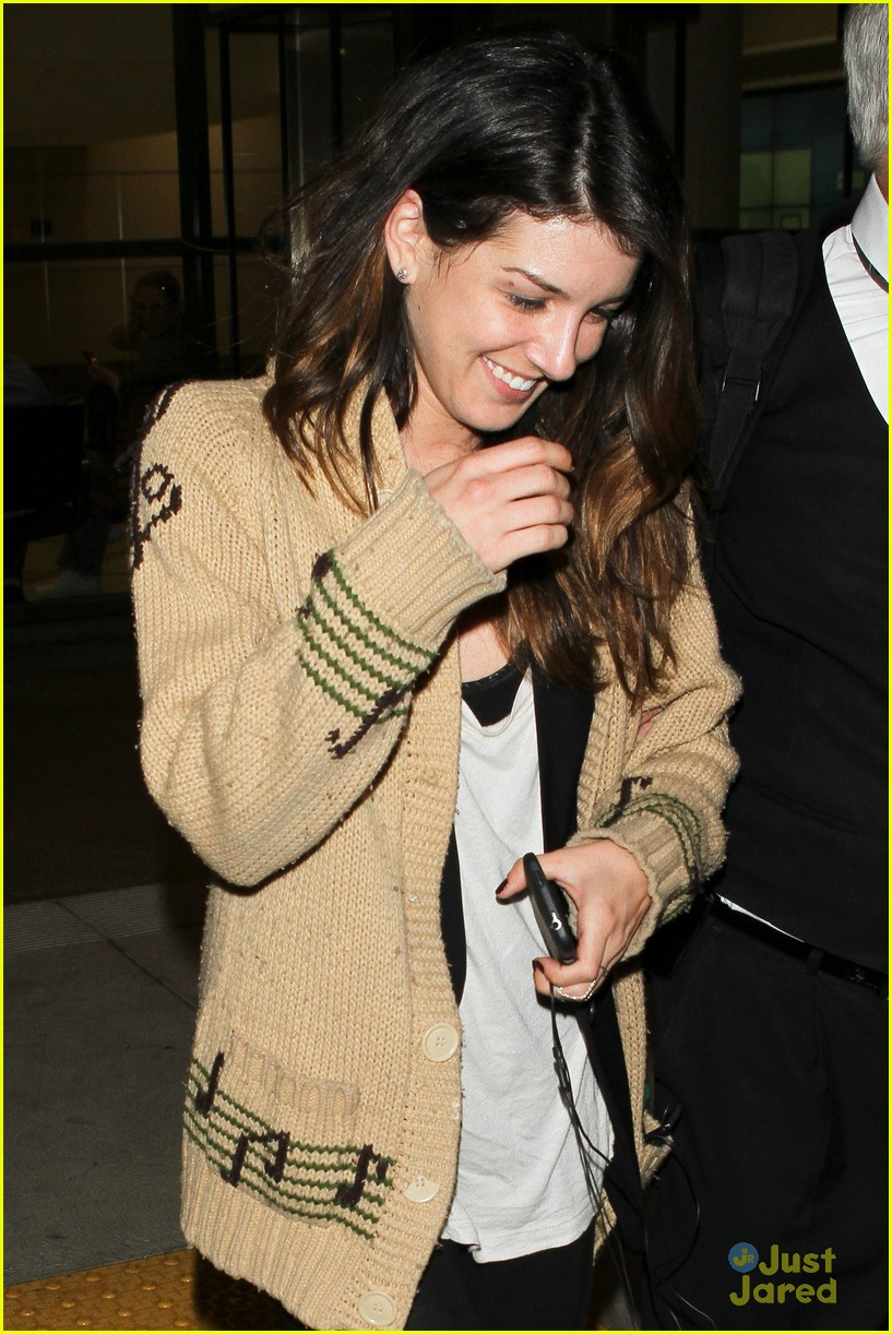 shenae grimes no connection annie 07