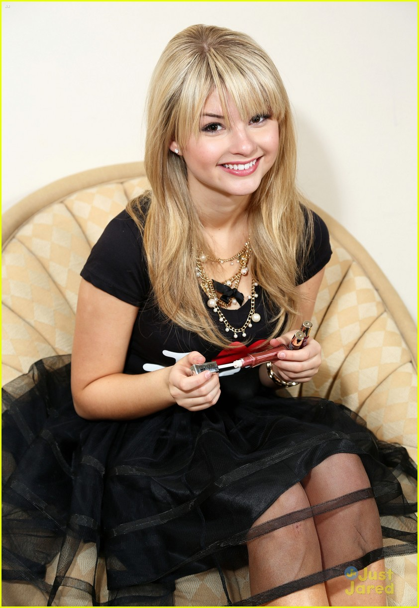 stefanie scott chicago opening 12