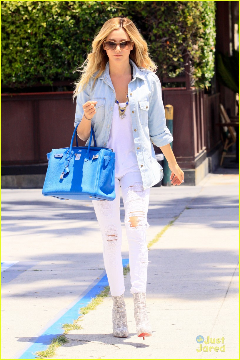 ashley tisdale run robertson 02