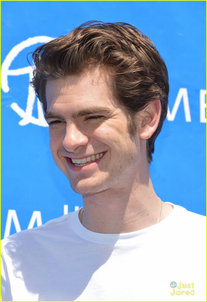 andrew garfield spider delivery 16