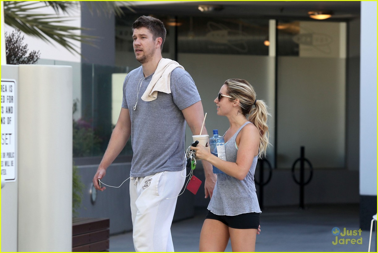 ashley tisdale scott speer workout 10