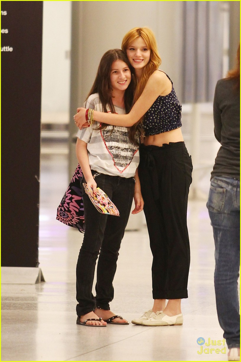 bella thorne miami landing 01