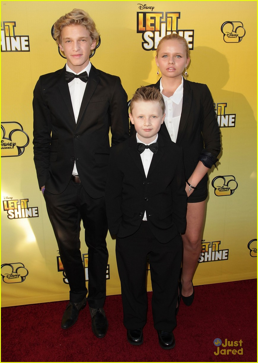 cody simpson calum worthy let shine 12