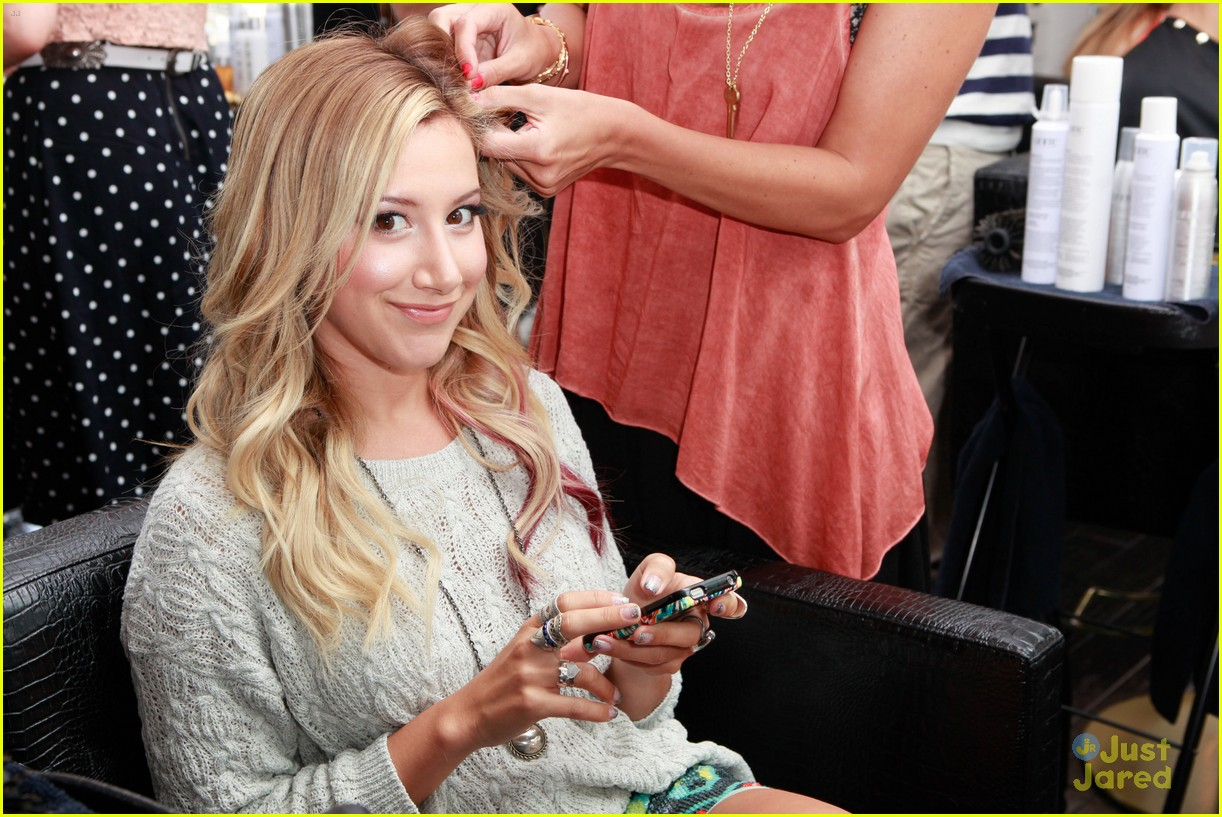 ashley tisdale colgate optic beauty bar 08