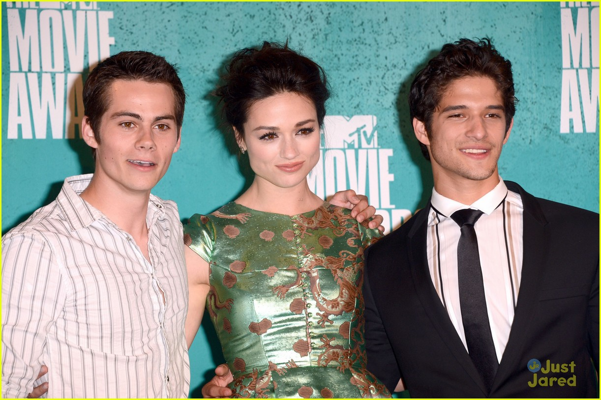 colton haynes dylan obrien mtv movie awards 03