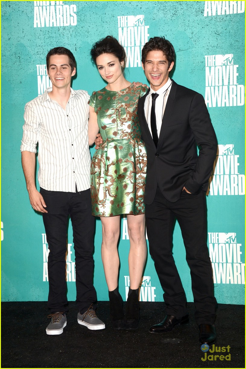 colton haynes dylan obrien mtv movie awards 09