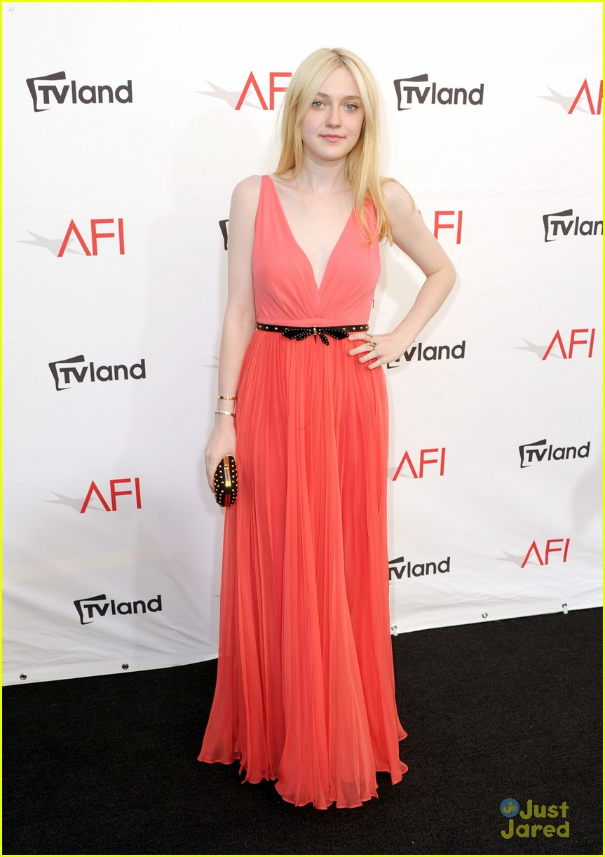 dakota fanning afi ceremony 04