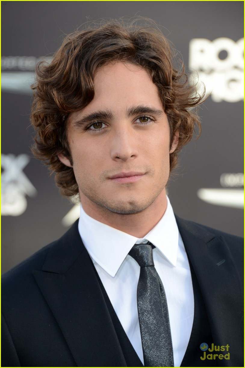 Diego Boneta wears  (Suit )