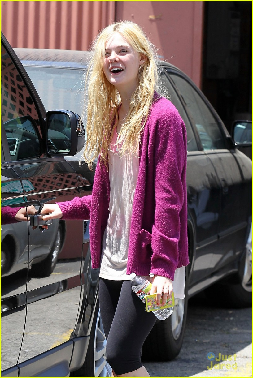 elle fanning maleficent juno temple 01