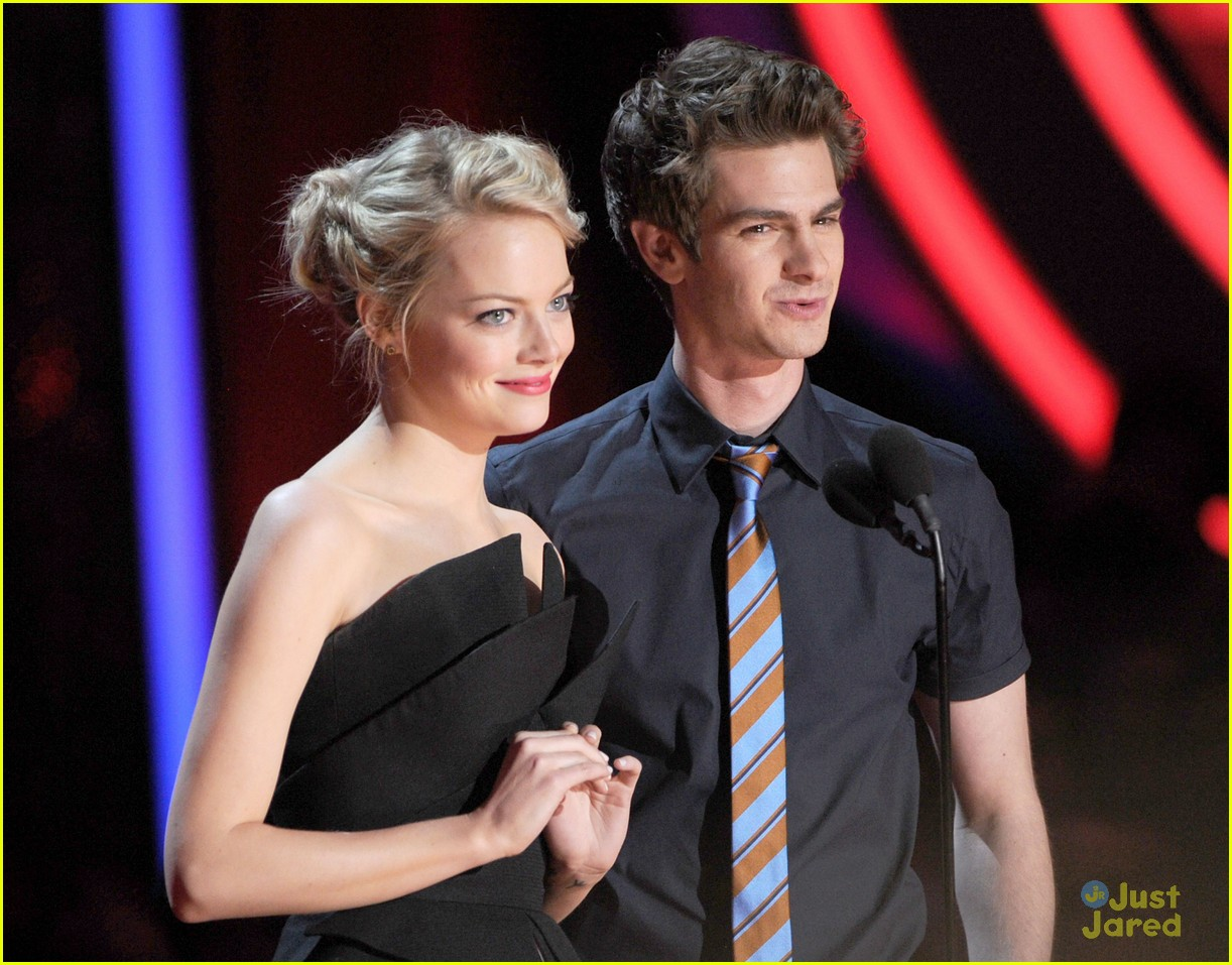emma stone andrew garfield mtv movie awards 01