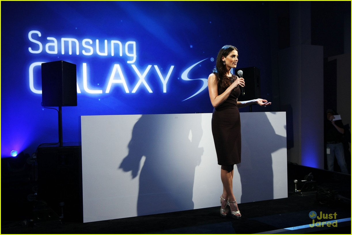 ashley greene samsung launch 05