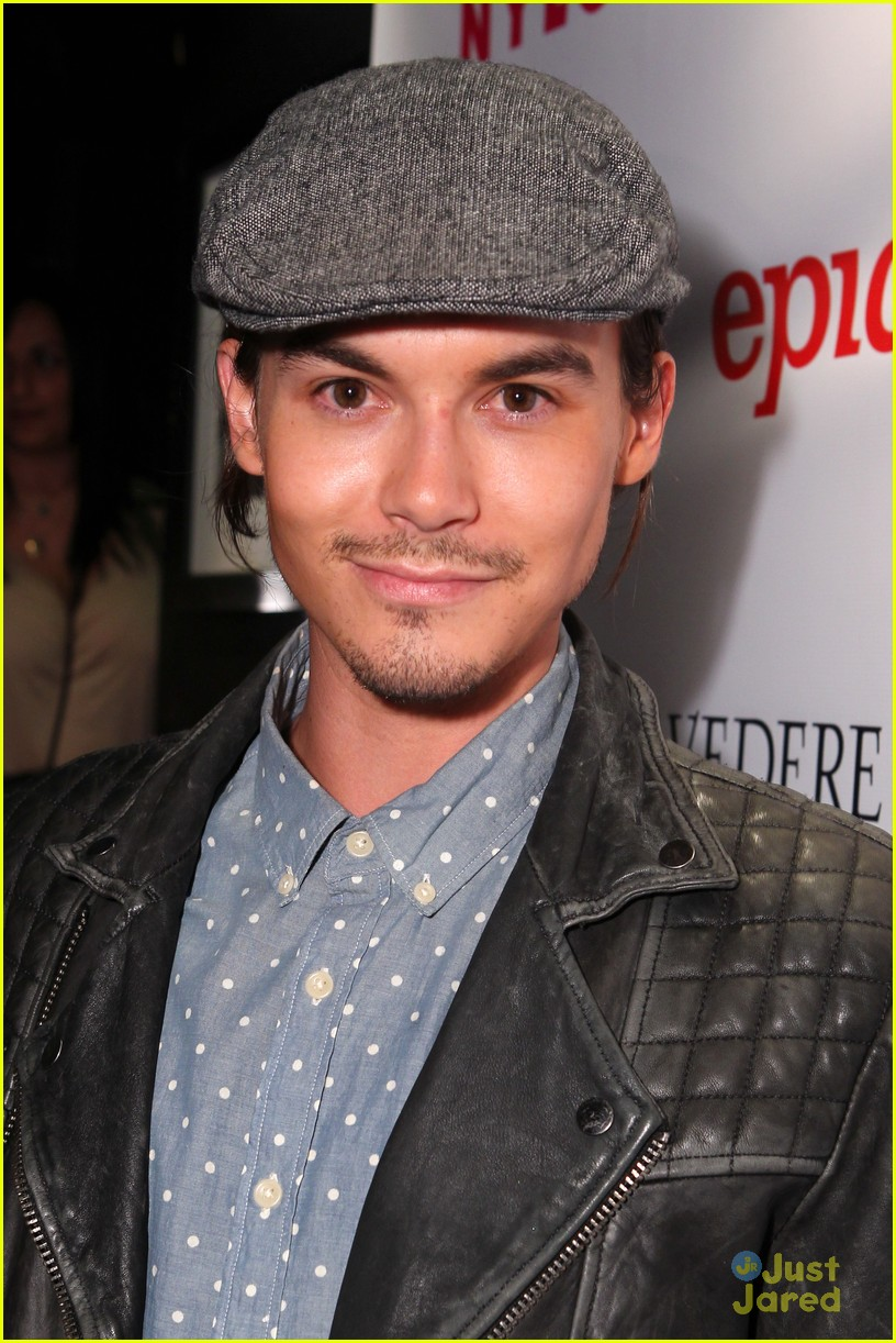 tyler blackburn james maslow nylon party 02