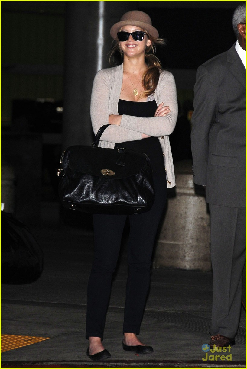 jennifer lawrence lax arrival 11