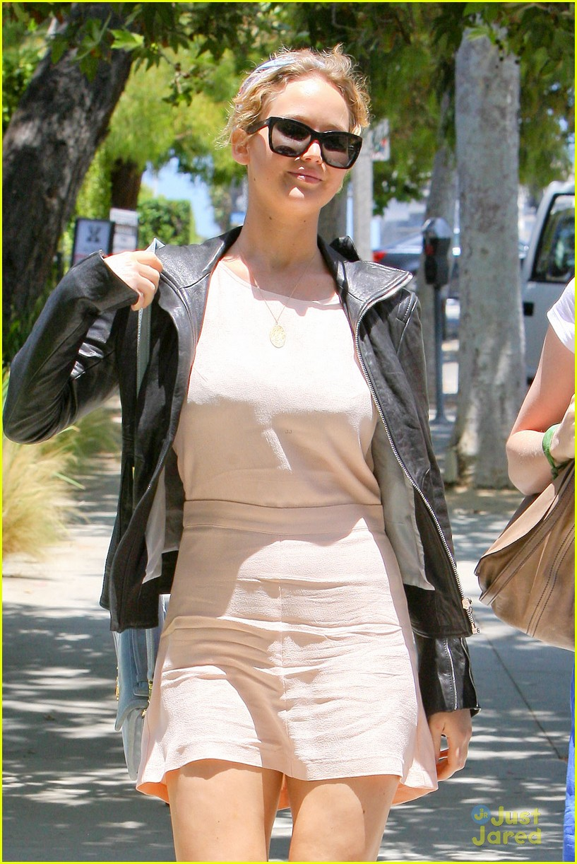 jennifer lawrence lunch saturday 03