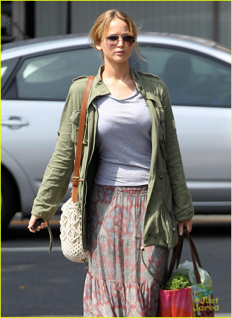 jennifer lawrence sunday shopping 05