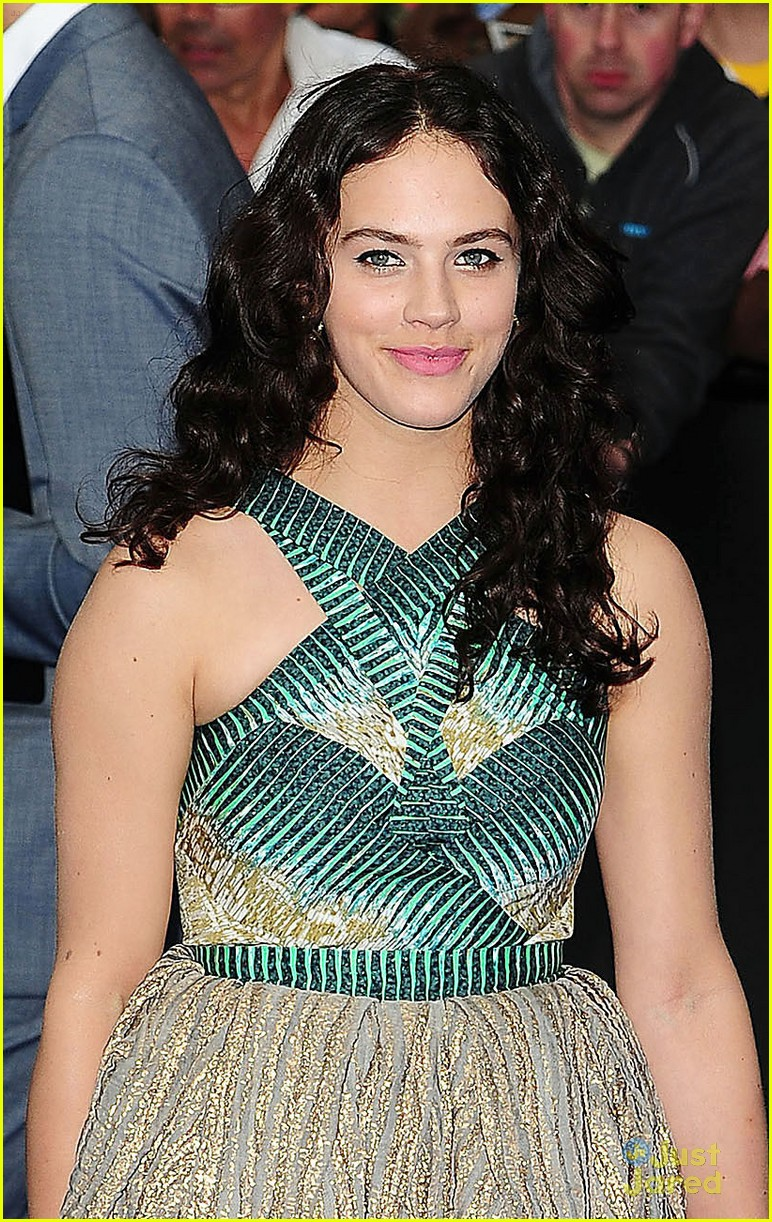 jessica brown findlay prometheus premiere 01