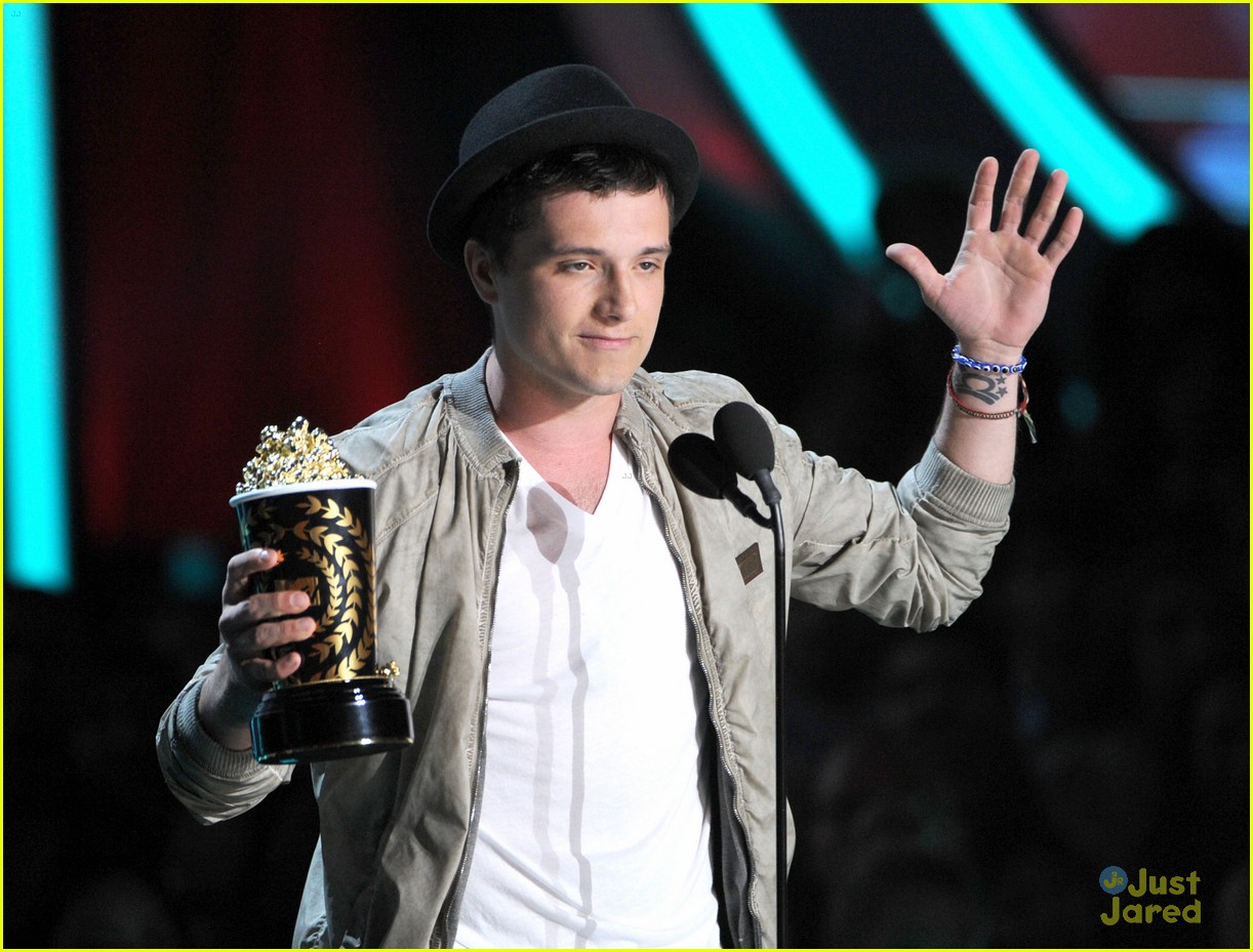 josh hutcherson mtv movie awards 04