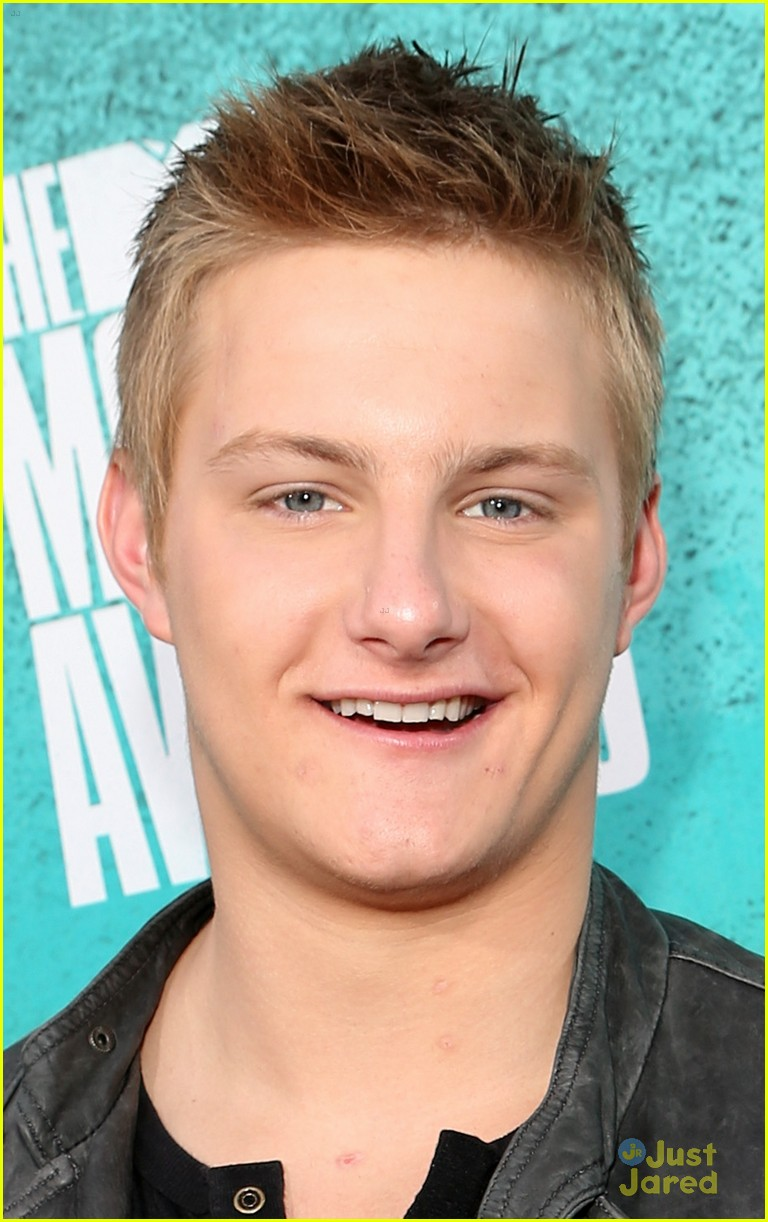 josh hutcherson mtv movie awards 10