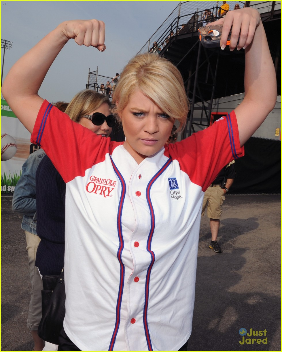 lauren alaina softball city hope 03