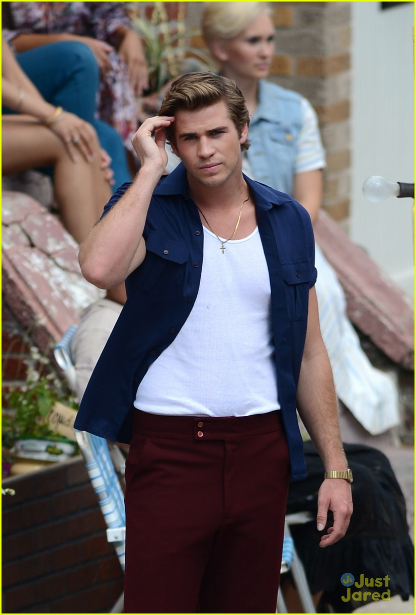 liam hemsworth empire state bandage 09