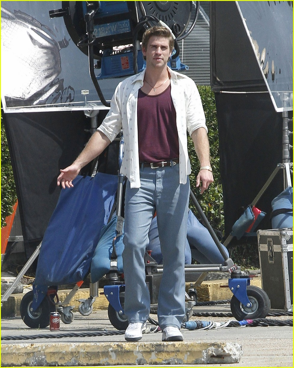 liam hemsworth empire state set 10