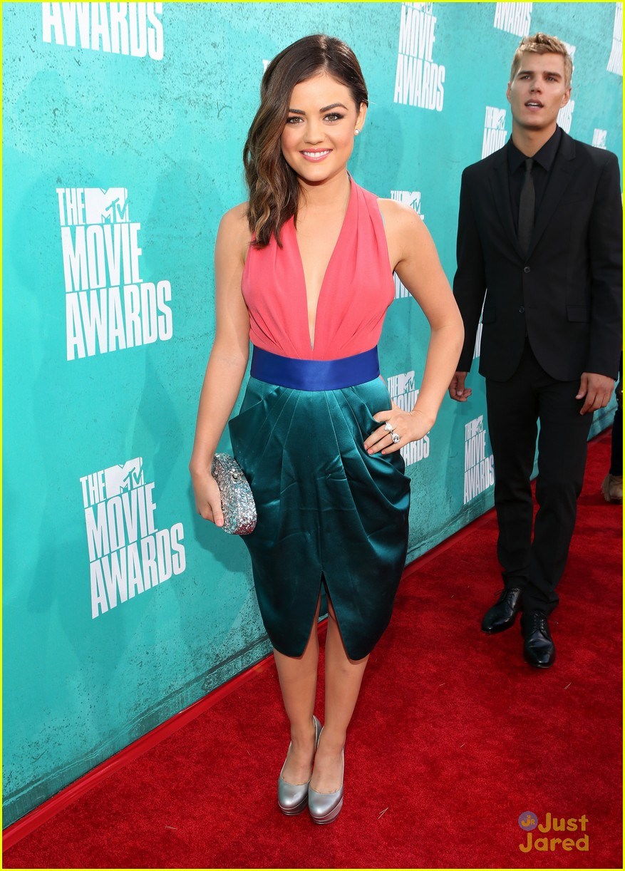lucy hale chris zykla mtv movie awards 05