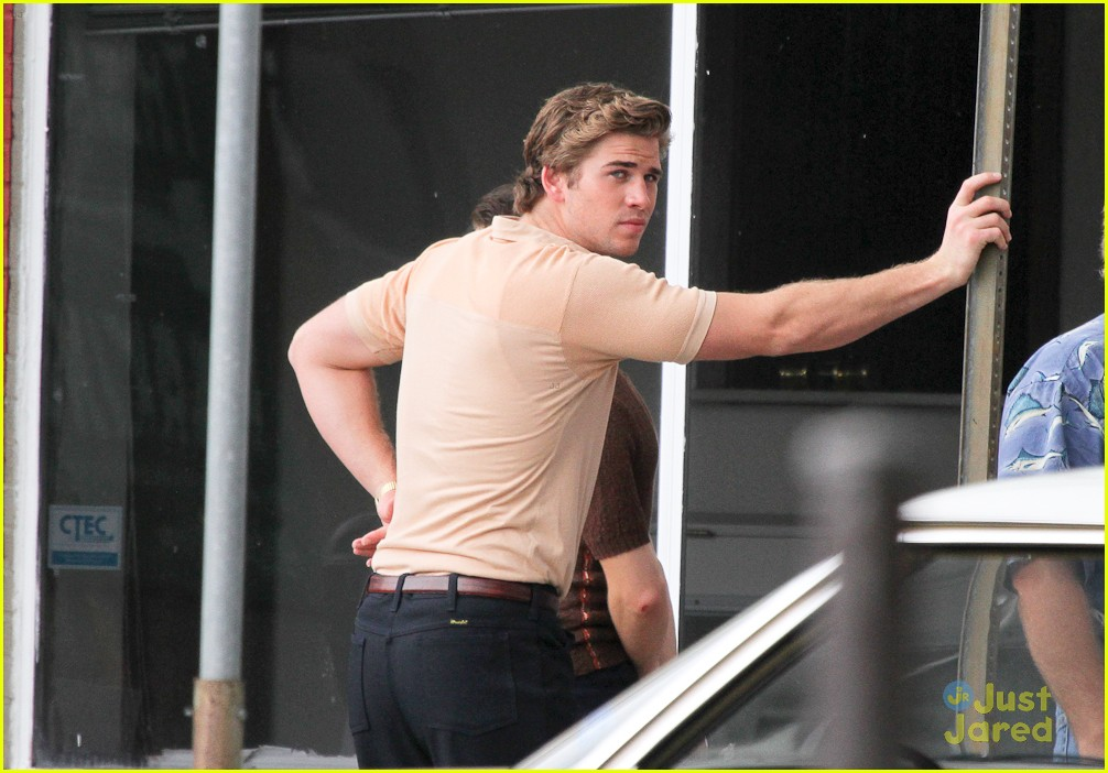 miley cyrus liam hemsworth nola 17