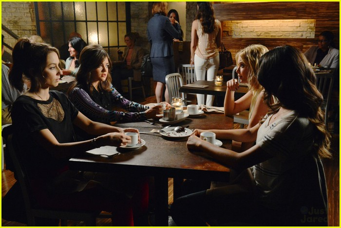 pll birds feather stills 03