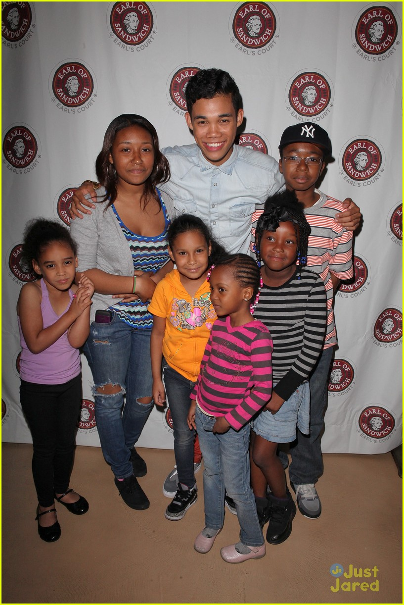 roshon fegan mlb fan cave 07