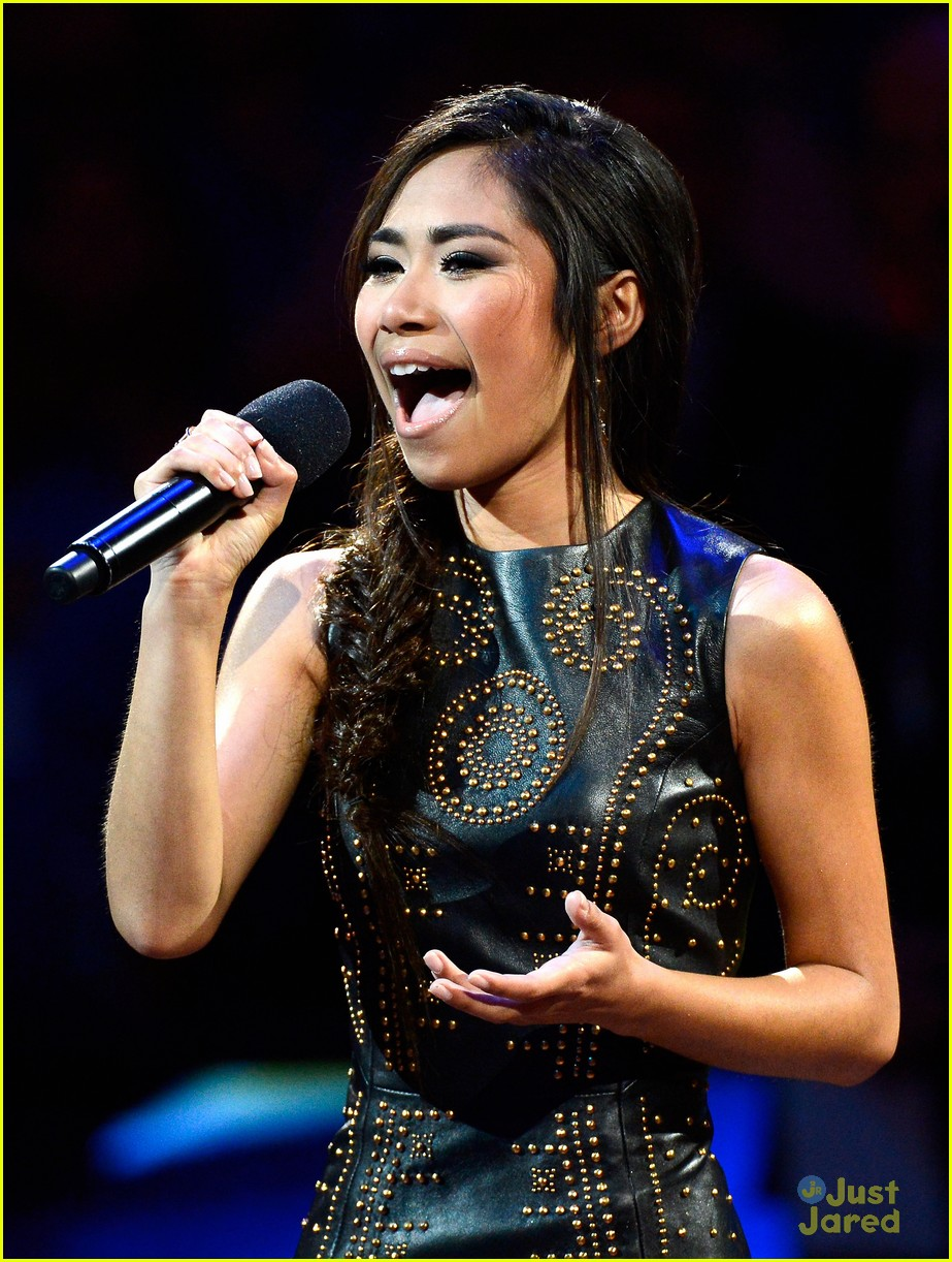 jessica sanchez cars land 02