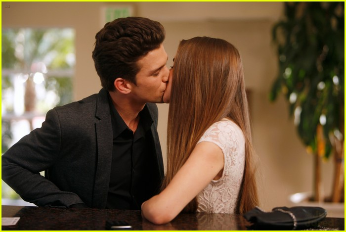 from Gordon are amy and ricky from the secret life of the american teenager dating in real life