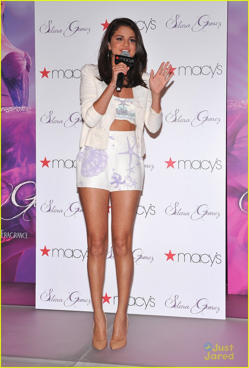 selena gomez macys launch 06