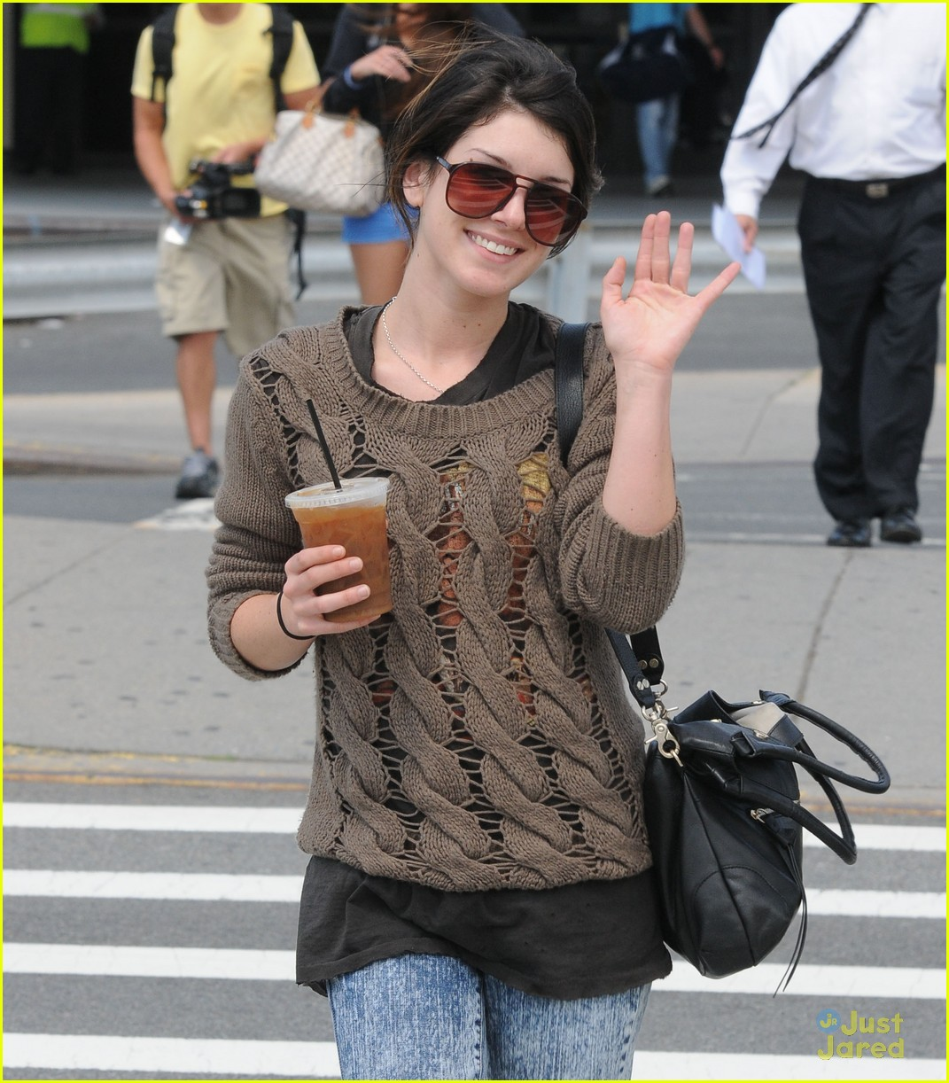 shenae grimes 11 days 05