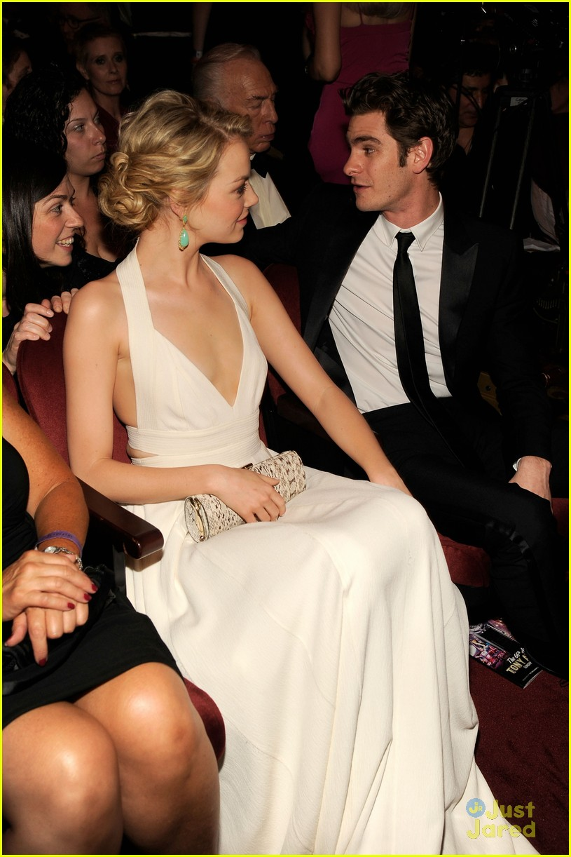 emma stone tony awards 2012 with andrew garfield 01