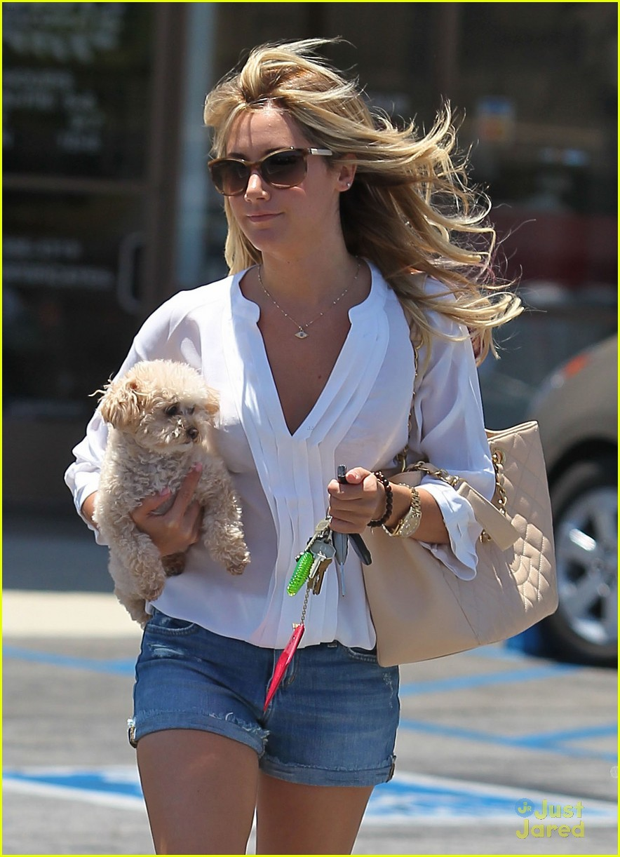 ashley tisdale maui nails 08