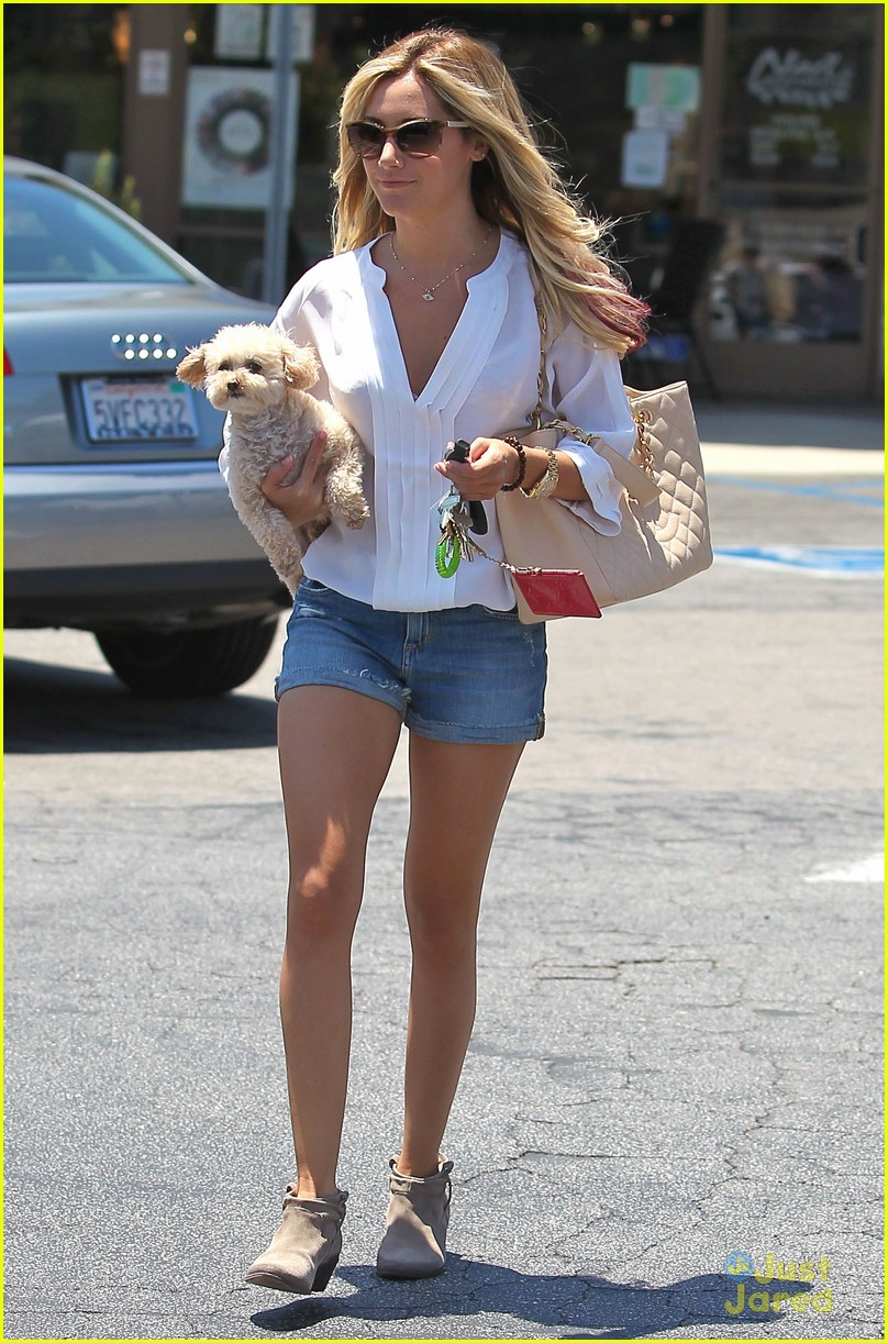 ashley tisdale maui nails 09