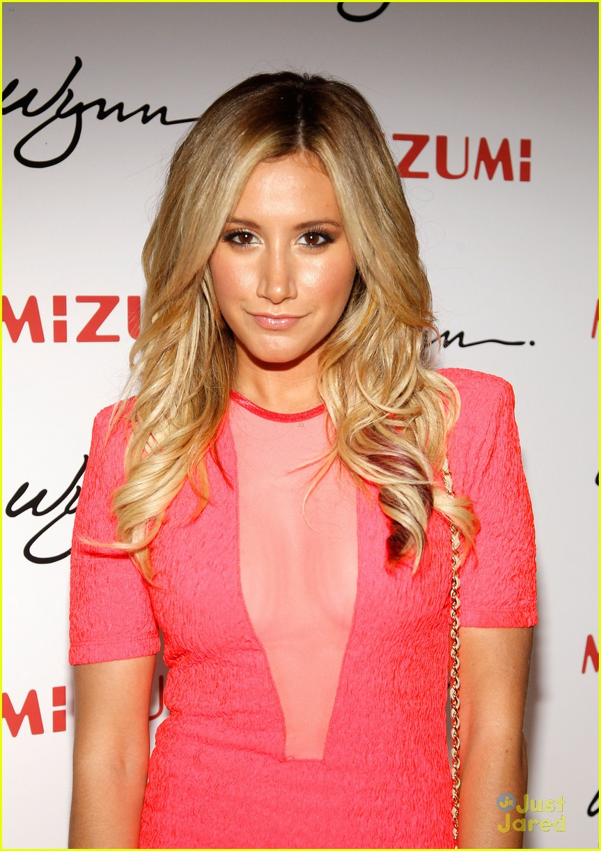 ashley tisdale roa mizumi 14