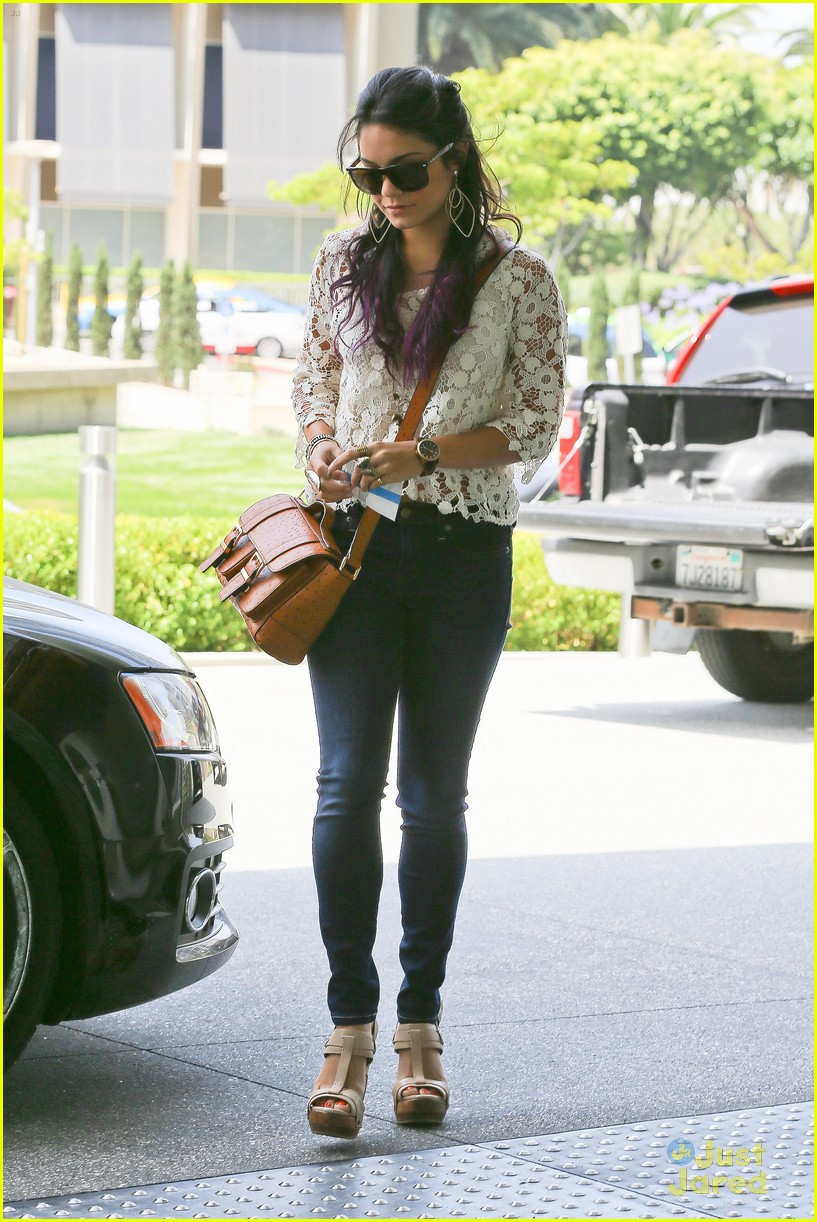 vanessa hudgens century city mom 09