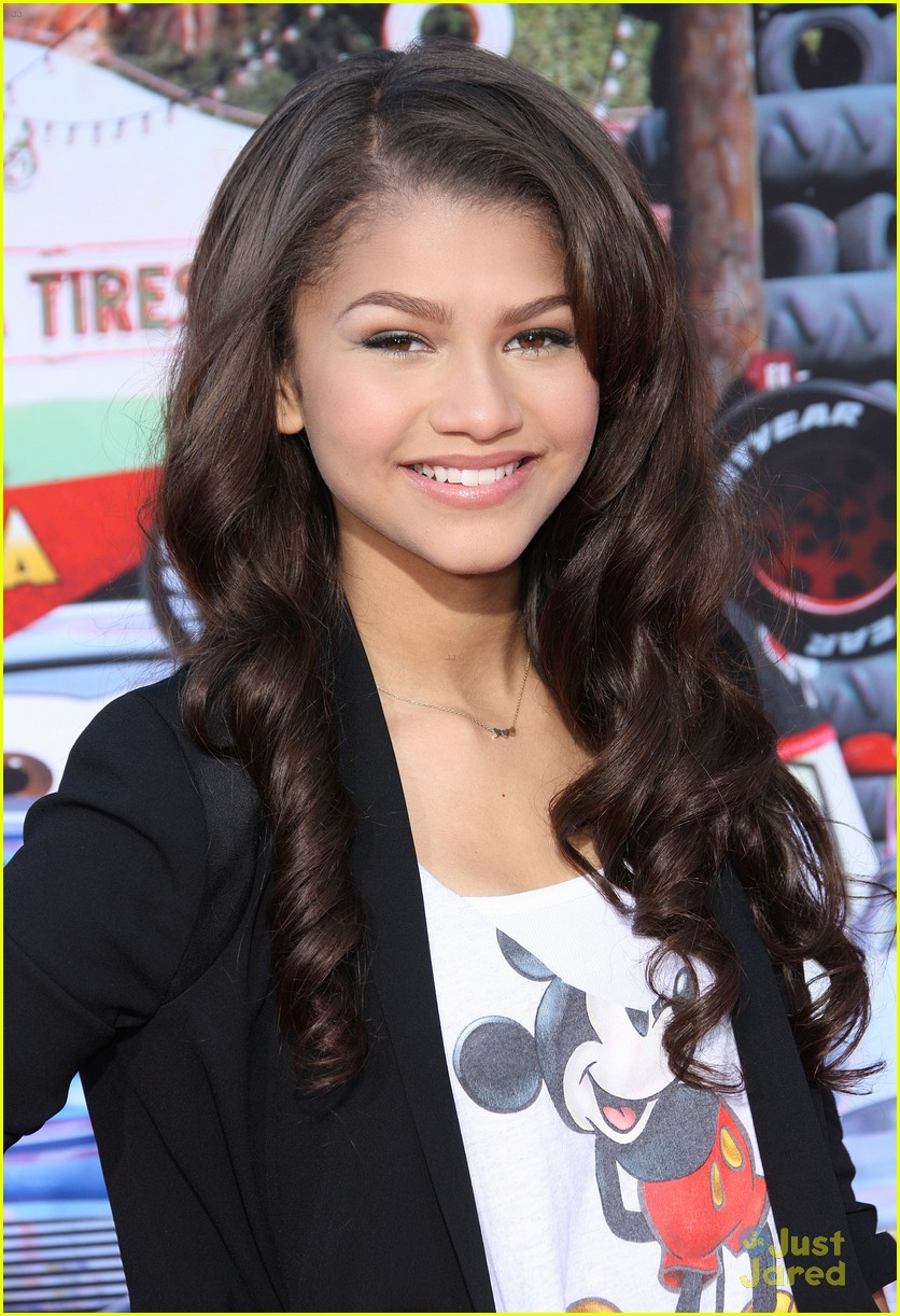 zendaya cars land opening 07