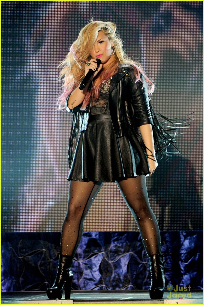 demi lovato greek la concert 29