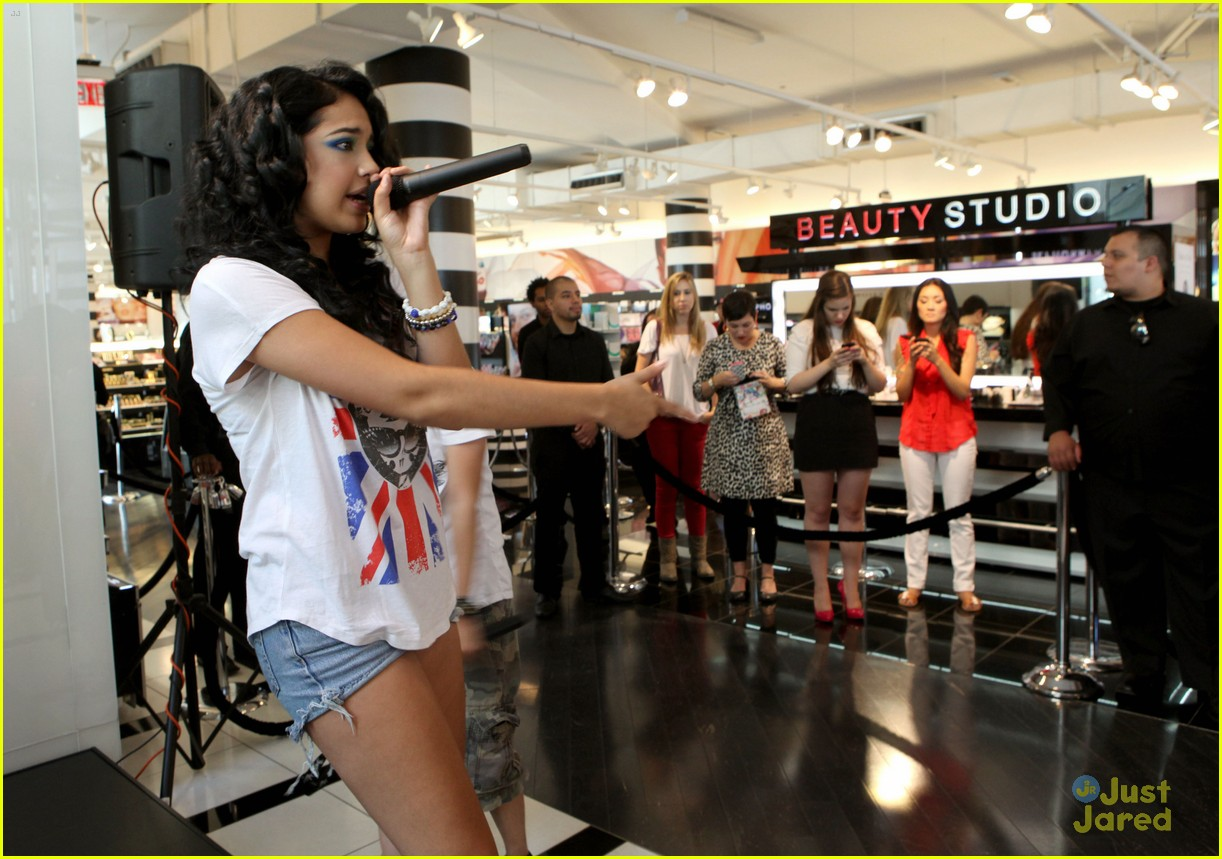 jasmine v tokidoki launch sephora 10