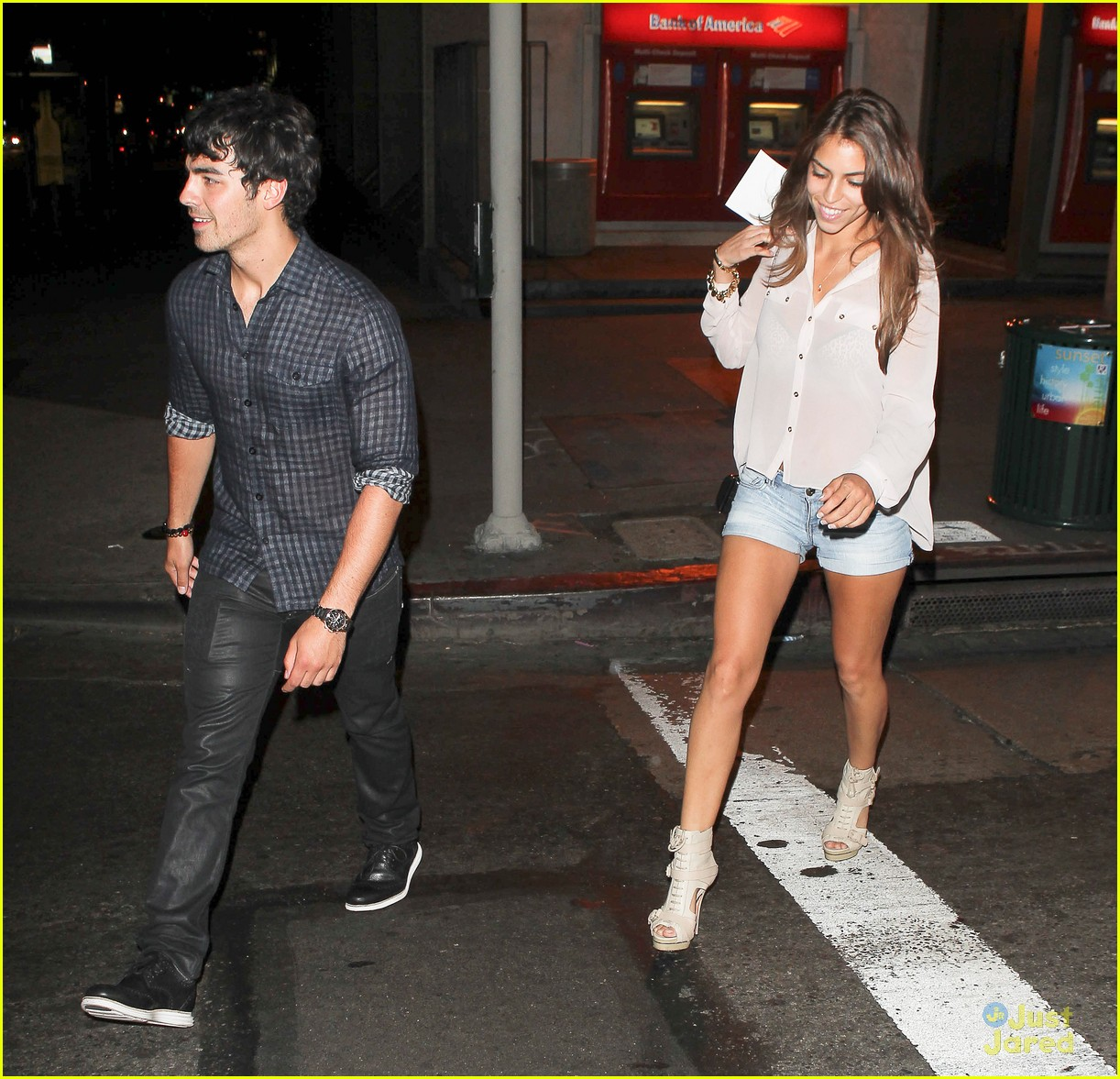 nick joe jonas dinner movie 12