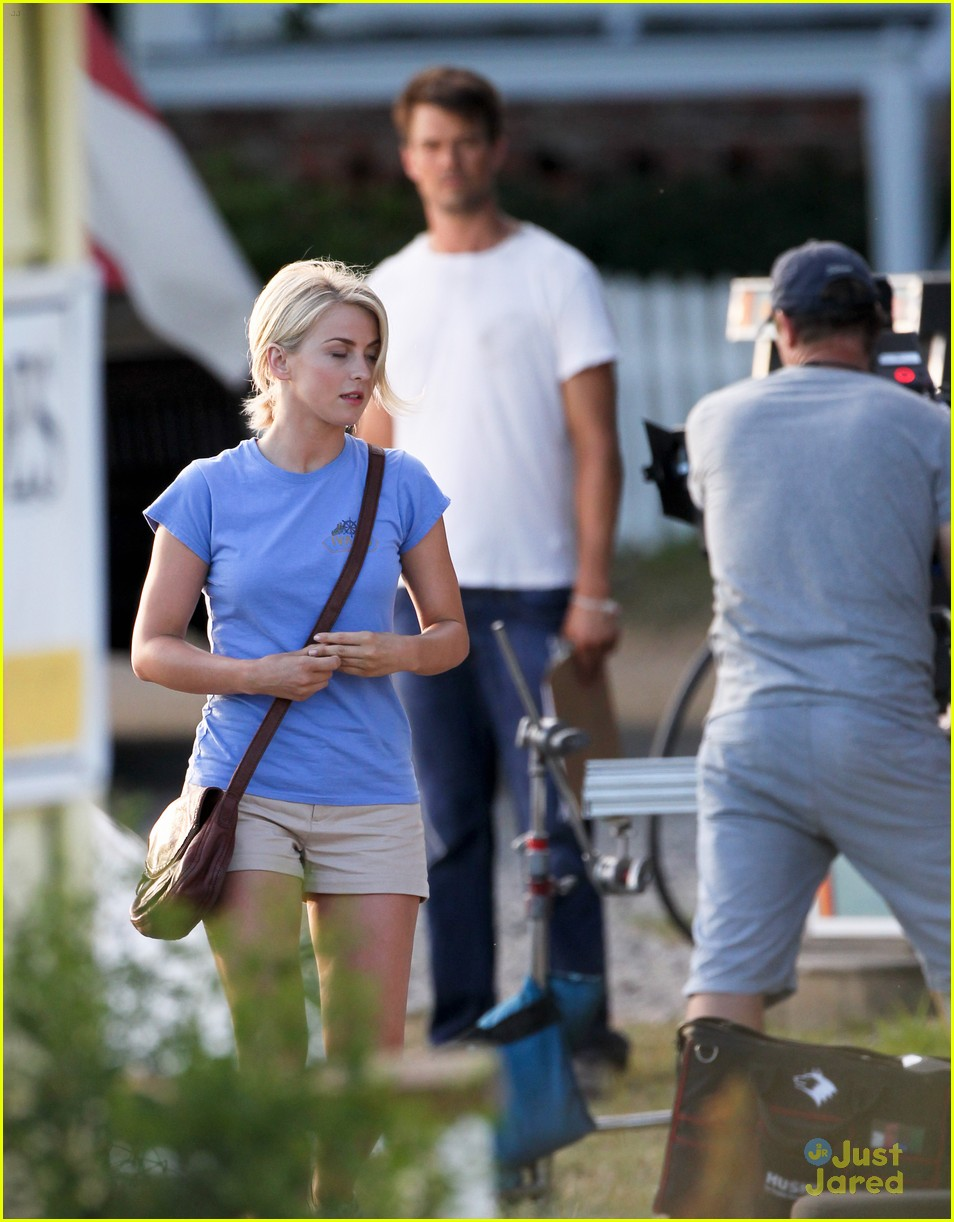 julianne hough safe haven bike 02