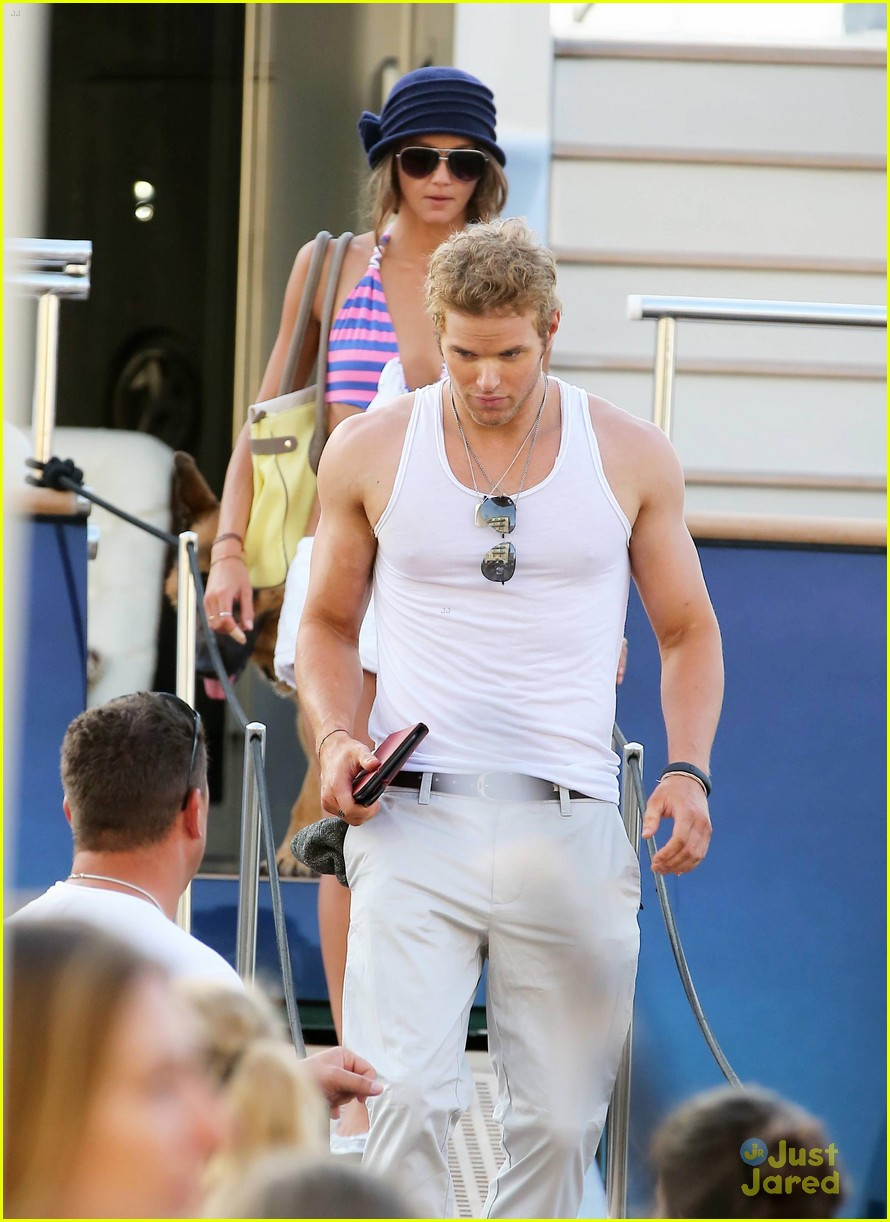 kellan lutz sharni vinson france 07