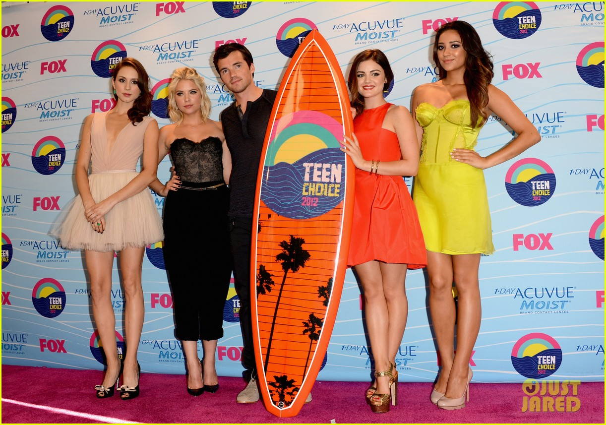 lucy hale teen choice awards 2012 04