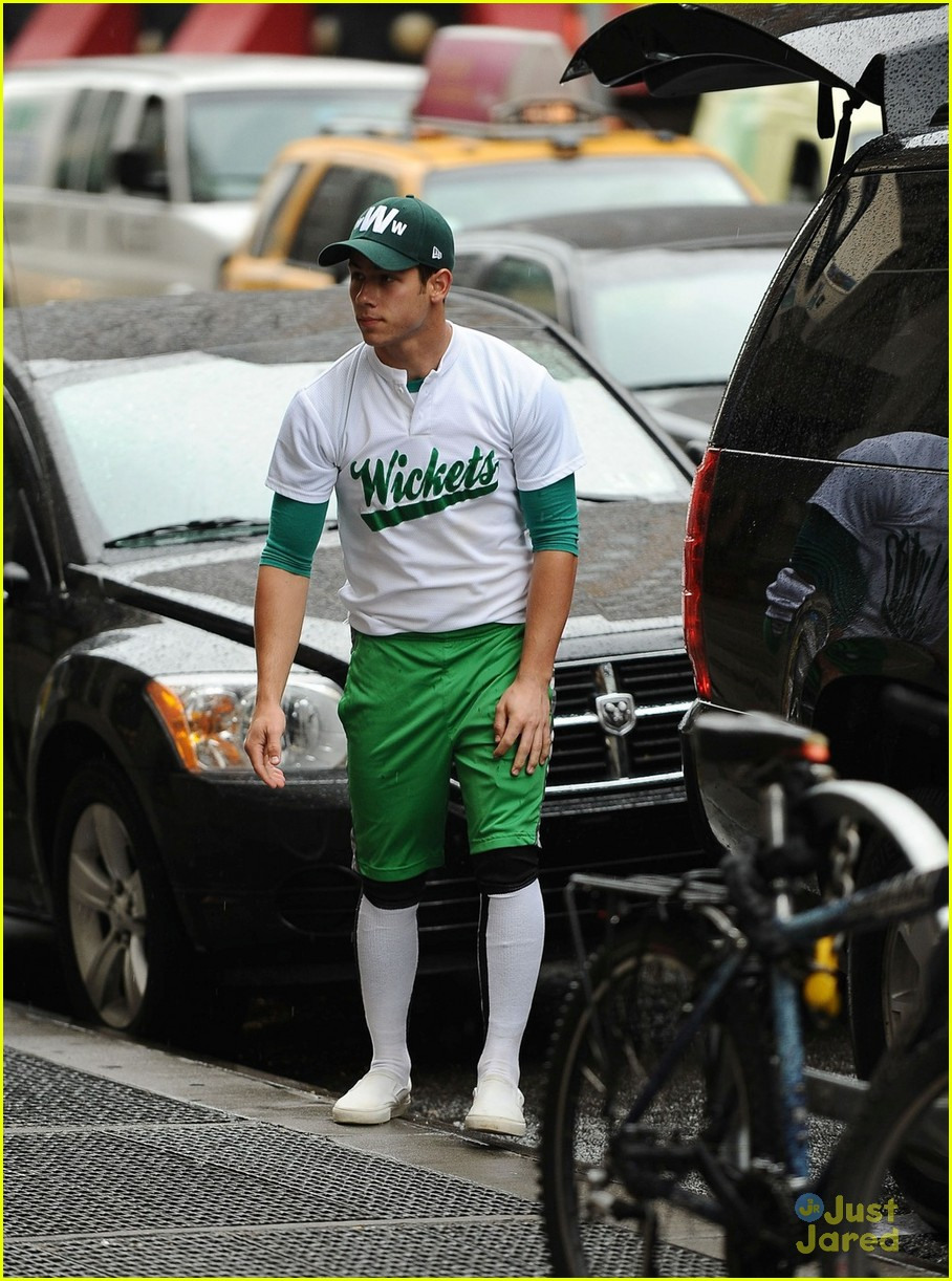nick jonas wickets nyc 03