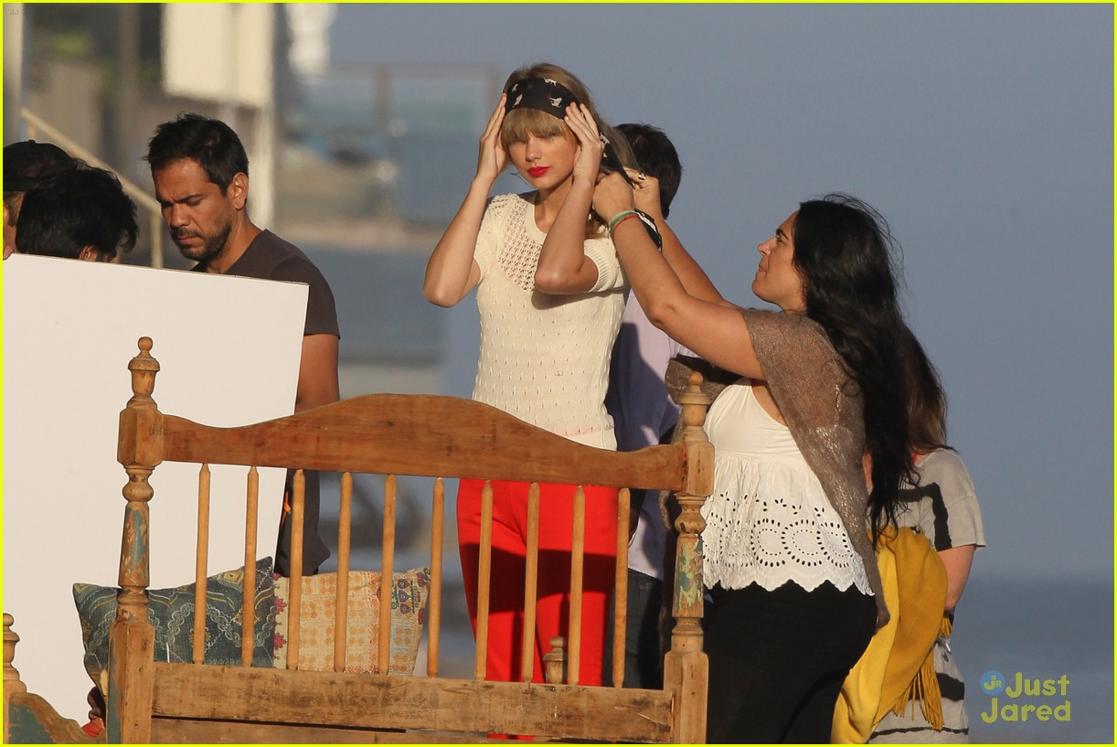 taylor swift beach shoot 13