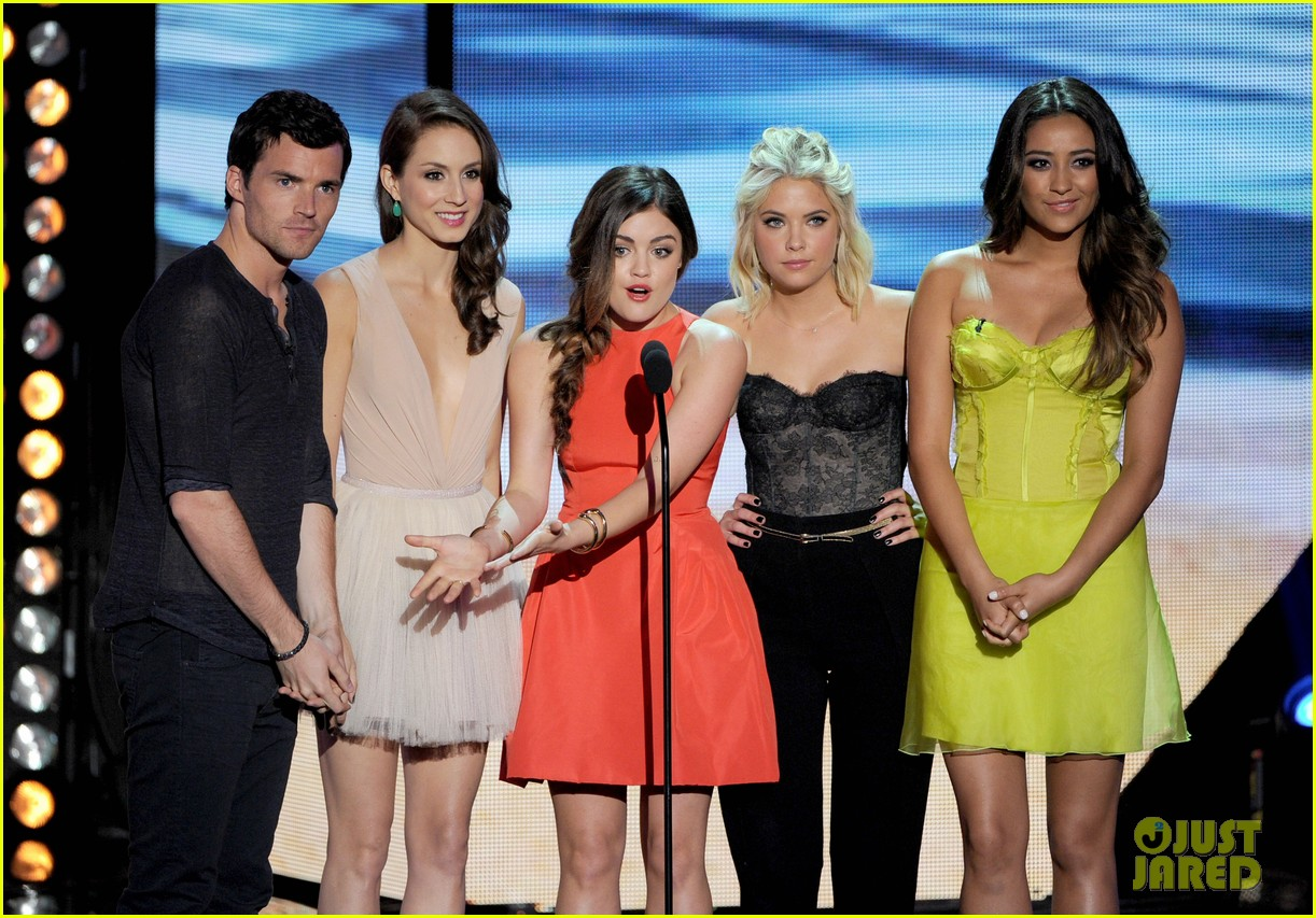 ashley benson teen choice awards 2012 15