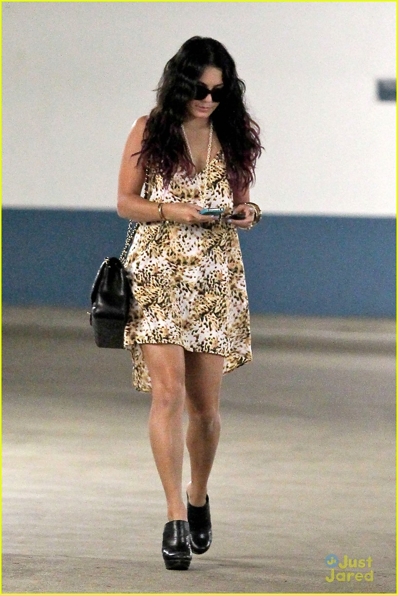 vanessa hudgens la meeting 02